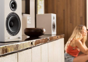 Best Bookshelf Speakers Under $2000 in 2021